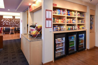 Snack Bar | TownePlace Suites Detroit Auburn Hills