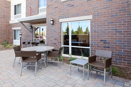 Terrace/Patio | TownePlace Suites Detroit Auburn Hills