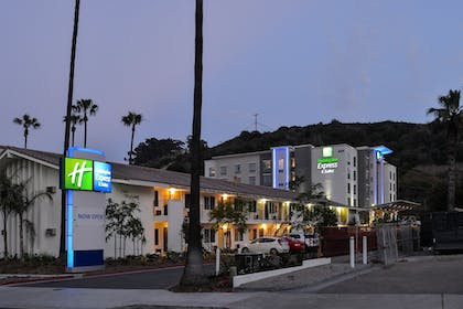 Hotel Front - Evening/Night | Holiday Inn Express & Suites San Diego - Mission Valley