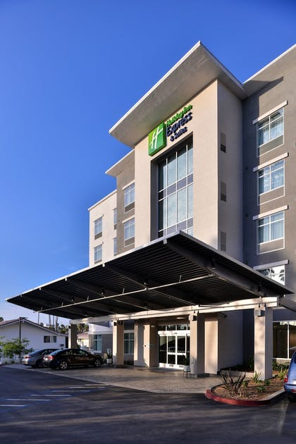 Hotel Front | Holiday Inn Express & Suites San Diego - Mission Valley