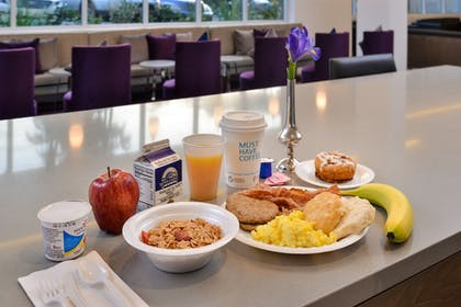 Buffet | Holiday Inn Express & Suites San Diego - Mission Valley