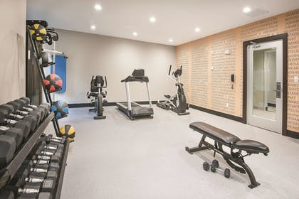 Fitness Facility | La Quinta Inn & Suites by Wyndham Fort Worth West - I-30