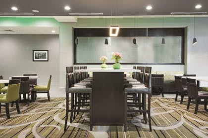 Property Amenity | La Quinta Inn & Suites by Wyndham Fort Worth West - I-30