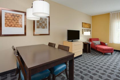Guestroom | TownePlace Suites by Marriott Gainesville Northwest