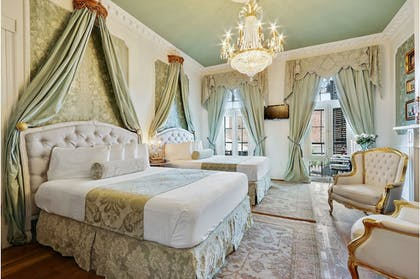 Featured Image | FRENCH QUARTER MANSION BOUTIQUE HOTEL