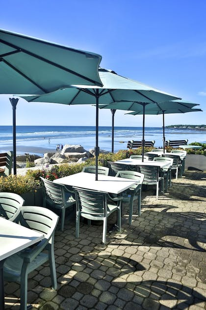 Outdoor Dining | Anchorage Inn and Resort