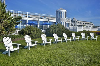 Property Grounds | Anchorage Inn and Resort
