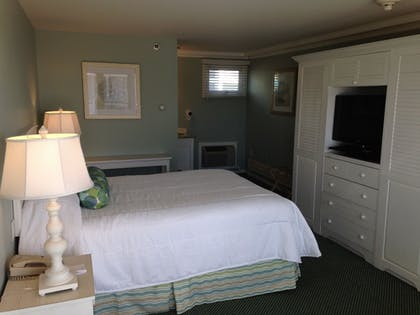Guestroom | Anchorage Inn and Resort