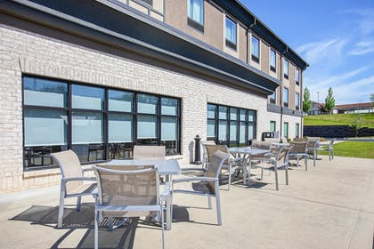Exterior | Holiday Inn Express & Suites Glasgow
