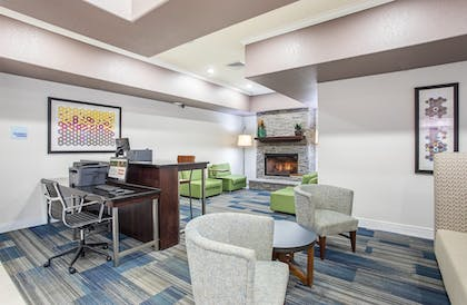 Hotel Interior | Holiday Inn Express & Suites Glasgow