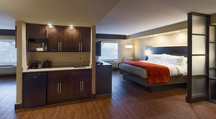Room | Holiday Inn Express & Suites San Antonio Medical-Six Flags