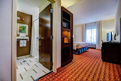 Guestroom | Fairfield Inn & Suites by Marriott Delray Beach I-95