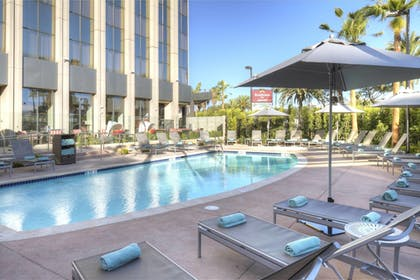 Outdoor Pool | Residence Inn by Marriott Los Angeles LAX/Century Boulevard