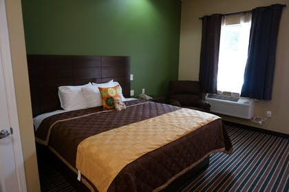 Guestroom | The Bungalows Hotel & Event Center