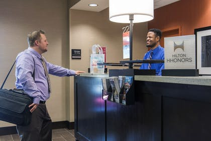 Reception | Hampton Inn & Suites Phoenix/Tempe