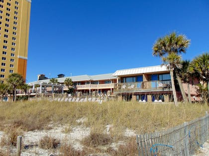 Hotel Front | The Driftwood Lodge