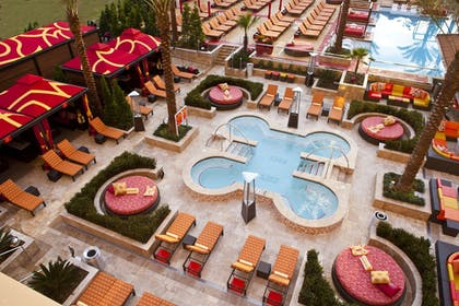 Outdoor Spa Tub   Golden Nugget Lake Charles