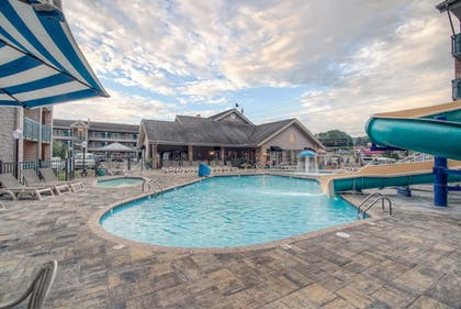 Outdoor Pool      Accommodation By Willow Brook Lodge