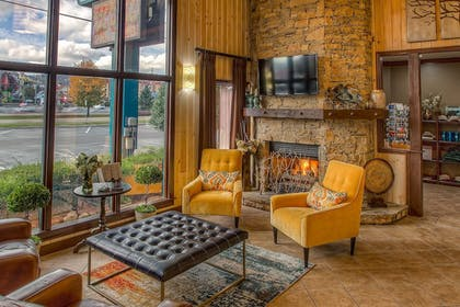 Lobby Sitting Area      Accommodation By Willow Brook Lodge
