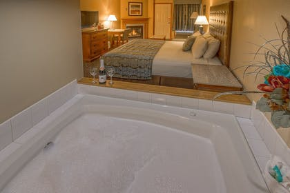 Guestroom      Accommodation By Willow Brook Lodge
