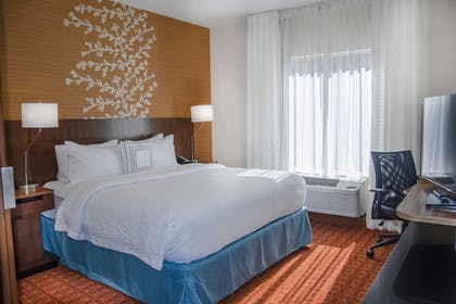 Guestroom | Fairfield Inn & Suites Atlanta Cumming/Johns Creek