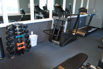 Fitness Facility | Palmetto Inn & Suites