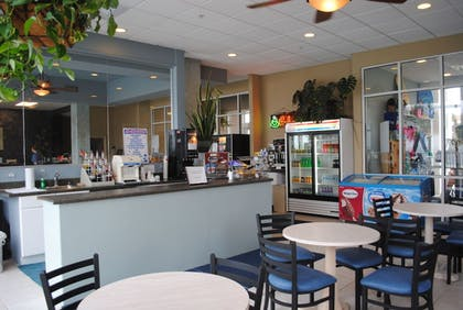 Snack Bar | Palmetto Inn & Suites