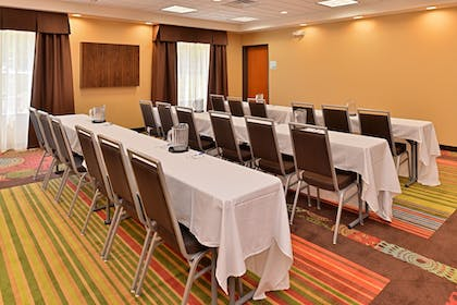 Meeting Facility | Holiday Inn Express & Suites New Martinsville