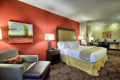 Guestroom | Holiday Inn Express & Suites New Martinsville