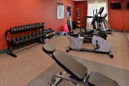 Fitness Facility | Holiday Inn Express & Suites New Martinsville