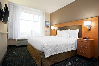 Guestroom | TownePlace Suites by Marriott Carlsbad