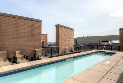 Rooftop Pool   Global Luxury Suites at The Convention Center