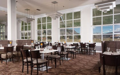 Restaurant   Mammoth Hot Springs & Cabins - Inside the Park