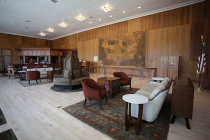Lobby   Mammoth Hot Springs & Cabins - Inside the Park