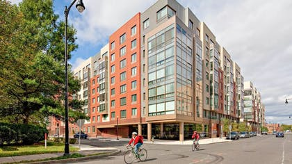 Featured Image | Global Luxury Suites at Kendall Square