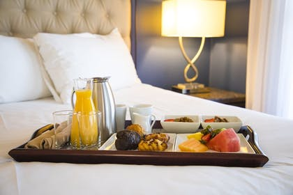 Room Service - Dining | Carter Estate Winery and Resort
