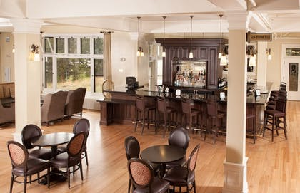 Lobby Lounge | Lake Hotel and Cottages - Inside the Park