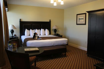 Guestroom | Lake Hotel and Cottages - Inside the Park