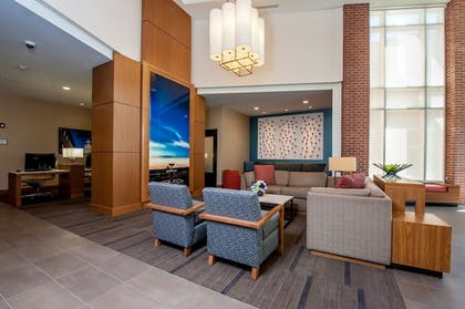Lobby Sitting Area | Hyatt Place Bowling Green