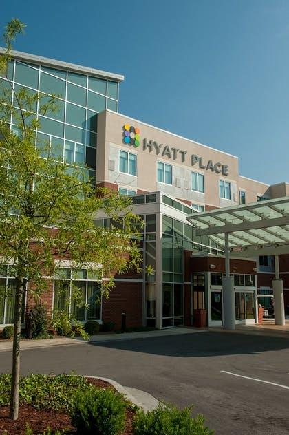 Hotel Front | Hyatt Place Bowling Green