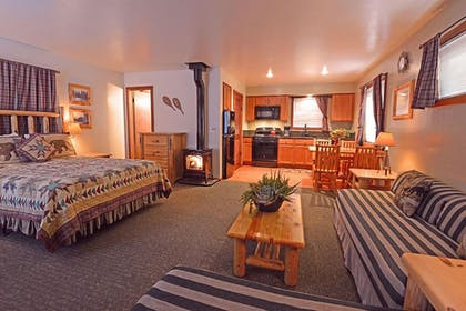 Guestroom | Franciscan Lakeside Lodge