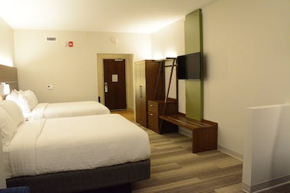 Guestroom | Holiday Inn Express & Suites Lexington Park-California