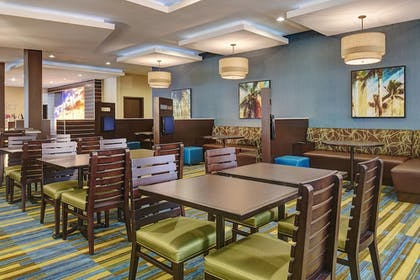 Breakfast Area | Fairfield Inn & Suites San Diego Carlsbad