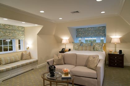 Guestroom | Albemarle Estate at Trump Winery