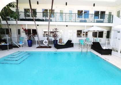 Outdoor Pool | Seaside All Suites Hotel, a South Beach Group Hotel