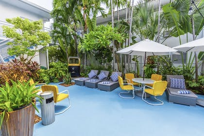 Courtyard | Seaside All Suites Hotel, a South Beach Group Hotel