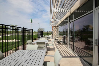 Featured Image | Holiday Inn Express & Suites Fond Du Lac