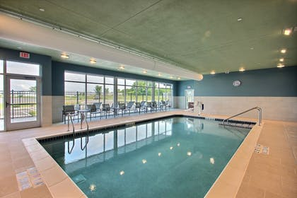 Pool | Holiday Inn Express & Suites Fond Du Lac