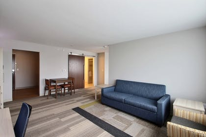 | Holiday Inn Express & Suites Fond Du Lac