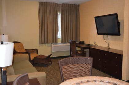 Living Area   Put-In-Bay Resort and Conference Center